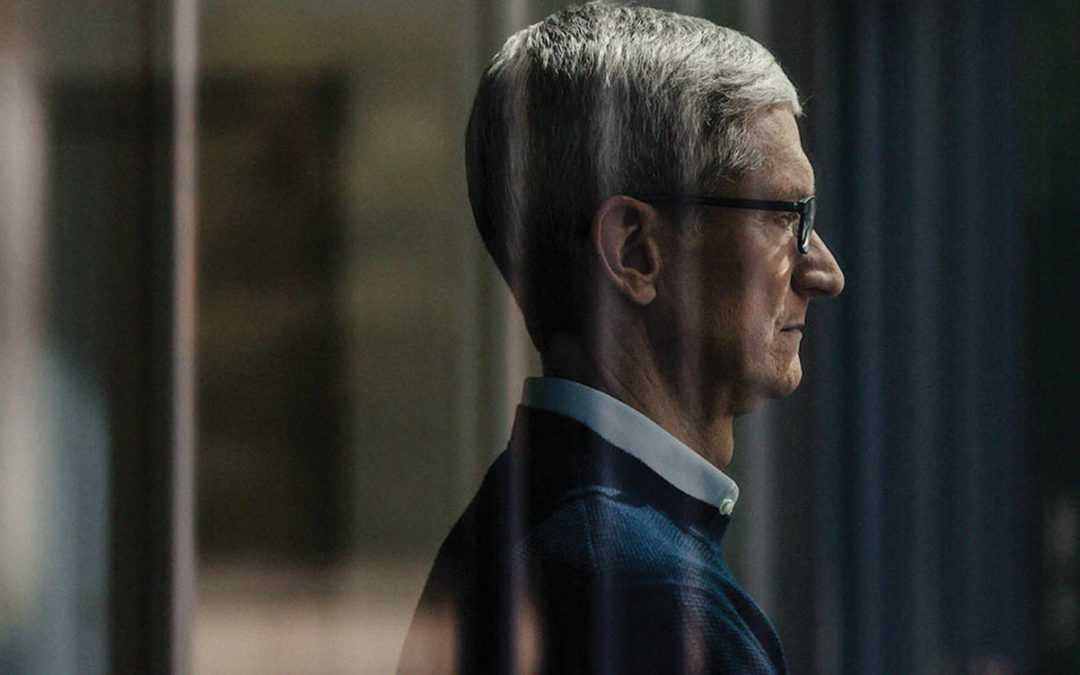 Tim Cook conduce a Apple a cifras récord
