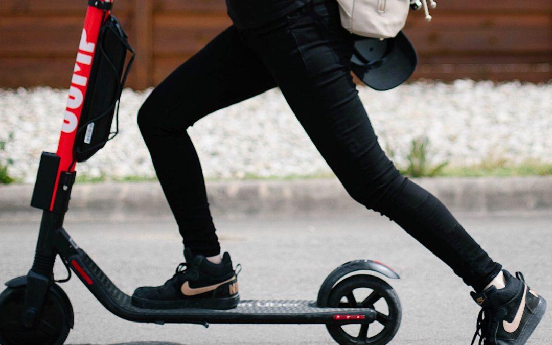 Uber despliega su servicio de alquiler de patinetes eléctricos en Madrid